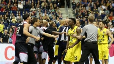 BBL: Alba Berlin siegt klar gegen Bonn – Handgemenge überschattet Spiel