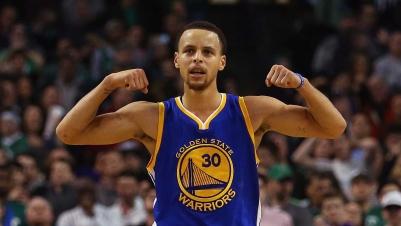 NBA: Golden State Warriors weiter unaufhaltsam – Curry erneut überragend